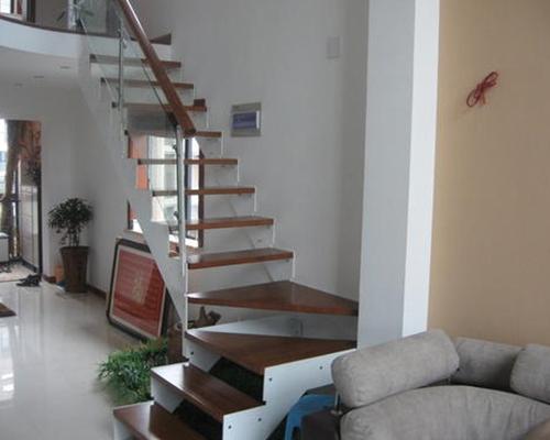 霸州钢木楼梯