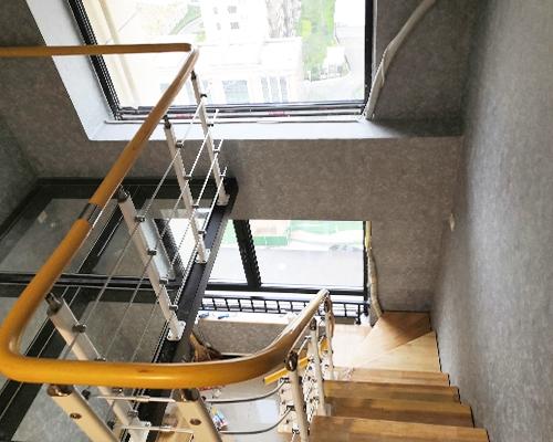 耐用钢木楼梯